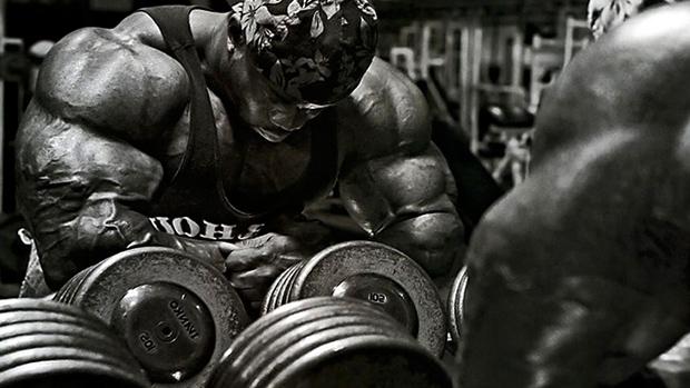 Bodybuilder-Dumbells