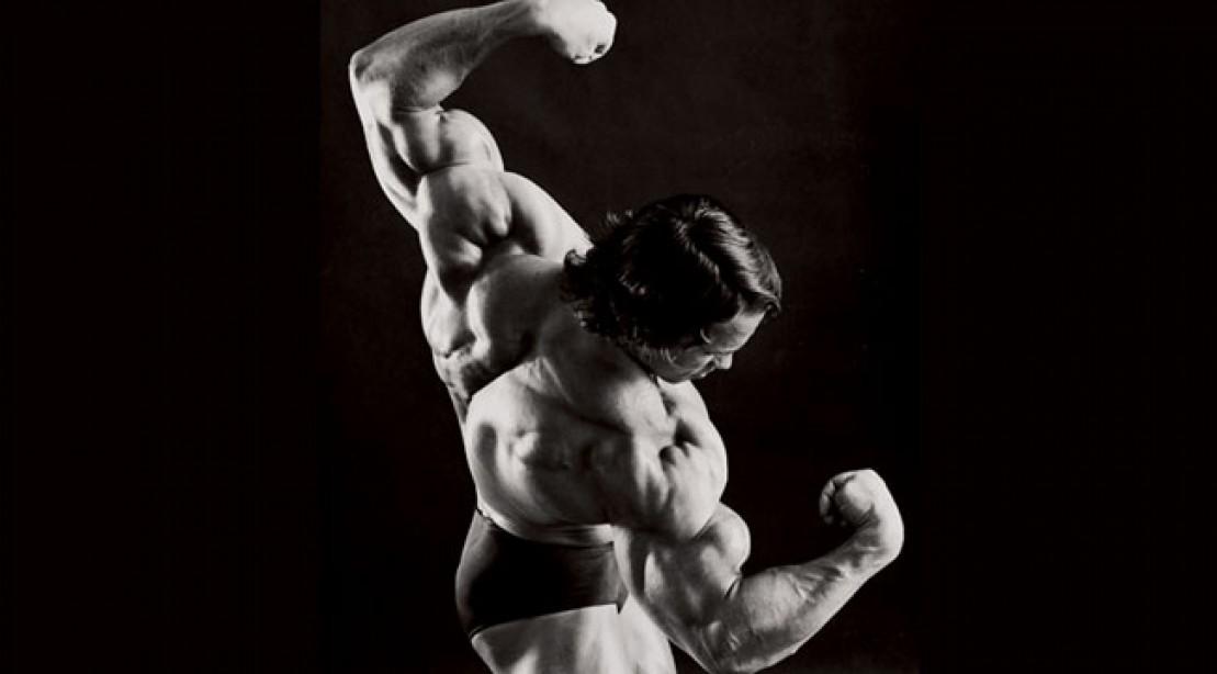 Arnold-Schwarzenegger-Shoulders
